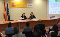 María del Carmen Orte y Cheles Cantabrana durante la presentación del lema para el Día Mundial del Alzhéimer