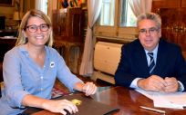 Elsa Artadi, consejera de Presidencia de la Generalitat de Cataluña, e Ignacio Sánchez Amor, secretario de Estado de Política Territorial.