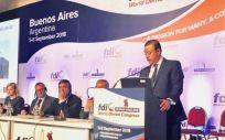 Óscar Castro, presidente del Consejo General de Dentistas, durante su intervención en el Congreso Mundial de la FDI celebrado en Buenos Aires