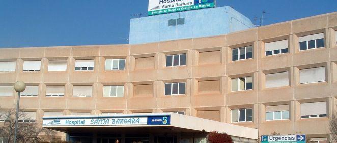 Fachada exterior del Hospital Santa Bárbara de Puertollano.