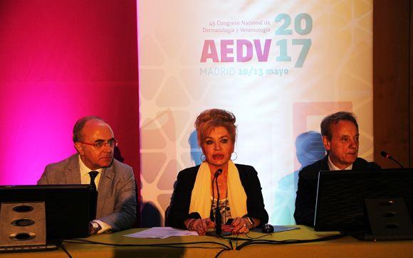 De izd. a drcha: Agustín Buendía, Aurora Guerra y Juan Ferrando.