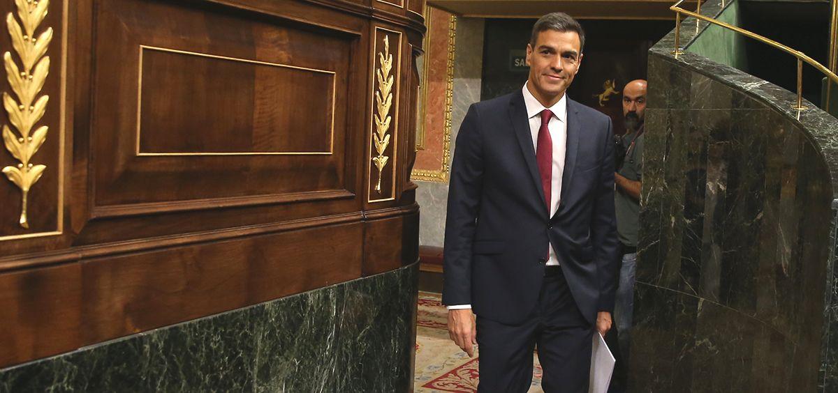 Pedro Sánchez, presidente del Gobierno, entrando al Congreso de los Diputados.