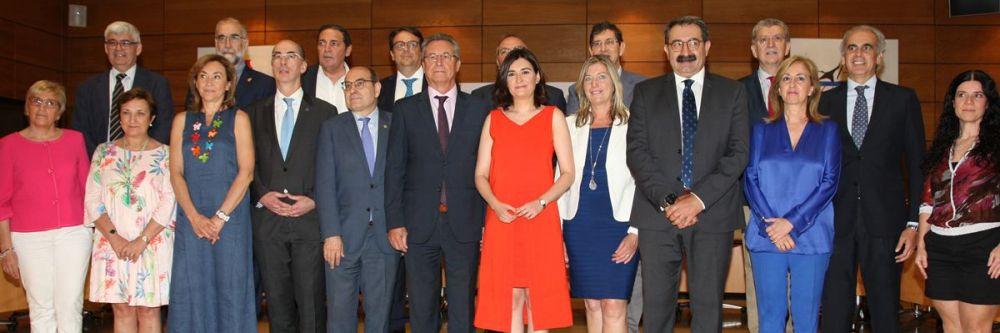 Asistentes al último pleno del Consejo Interterritorial, presidido por la exministra Carmen Montón.