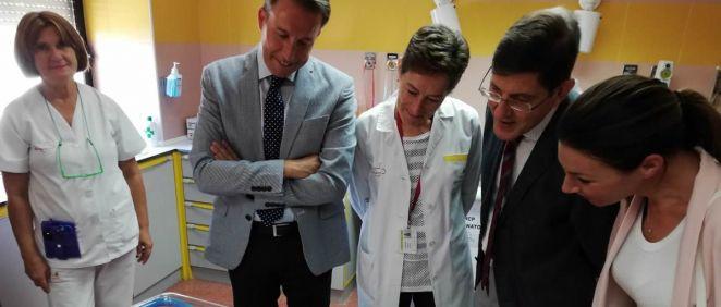El consejero de Salud, Manuel Villegas, ha visitado este lunes el centro hospitalario de Lorca.