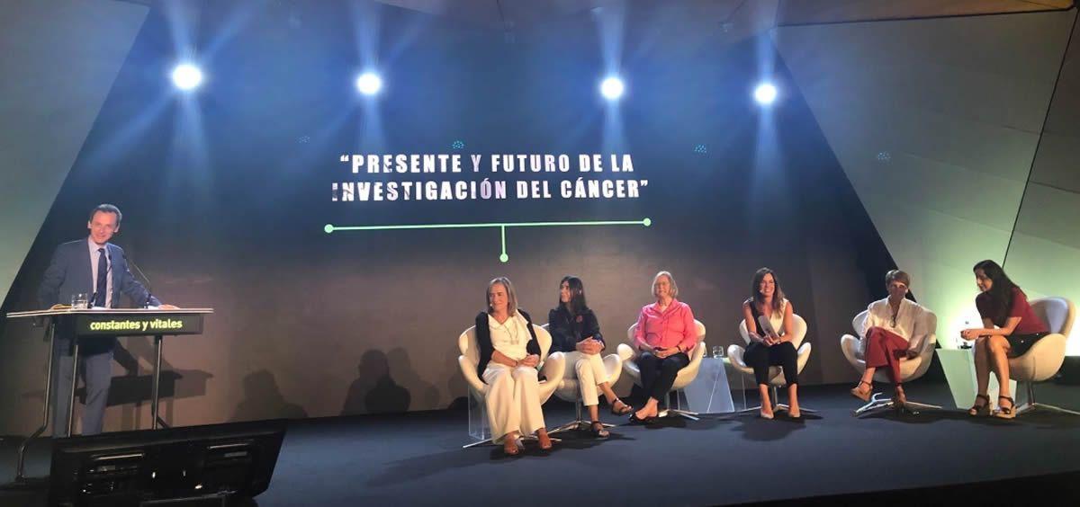 El ministro de Ciencia, Innovación y Universidades, Pedro Duque, ha clausurado el coloquio 'Presente y Futuro de la Investigación del Cáncer'.