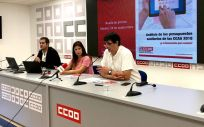 Pablo Caballero, Rocío Ruiz y Antonio Cabrera, este lunes en la presentación del informe sobre empleo sanitario y listas de espera de la FSS-CCOO