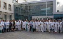La consejera de Salud, Maria Martín, junto con los profesionales participantes en el proceso de donación y trasplante renal en La Rioja