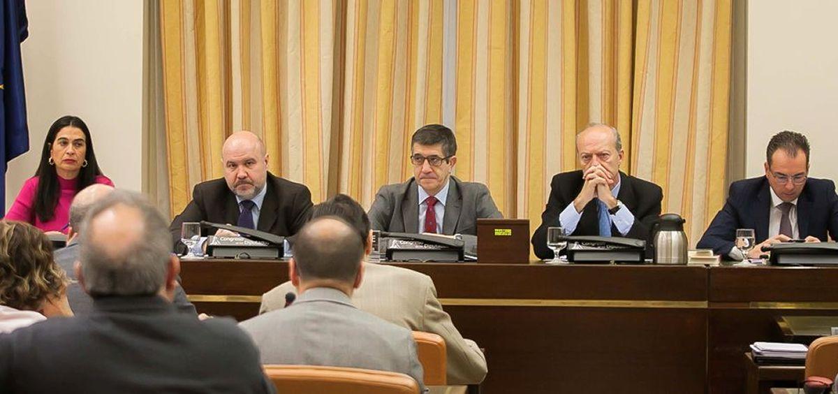 Imagen de una anterior Comisión de Sanidad en el Congreso de los Diputados.