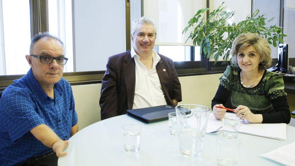 La ministra de Sanidad, María Luisa Carcedo, reunida con Avite durante su etapa como secretaria de Sanidad del PSOE.