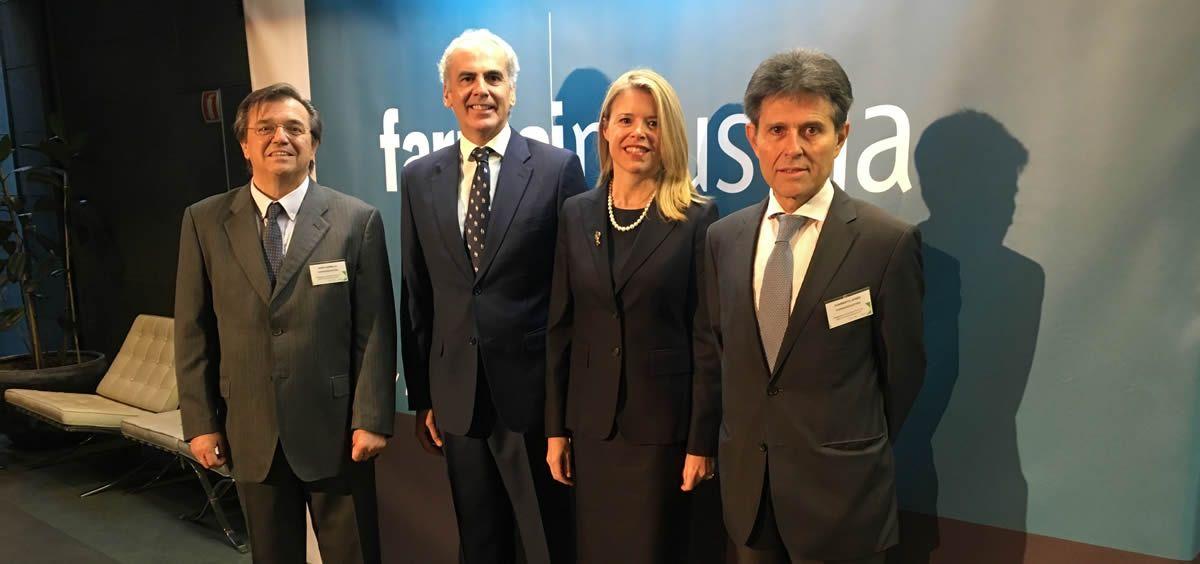 Jesús Acebillo (Farmaindustria), Enrique Ruiz-Escudero, consejero de Sanidad de la Comunidad de Madrid, Nathalie Moll (Efpia) y Humberto Arnés (Farmaindustria).
