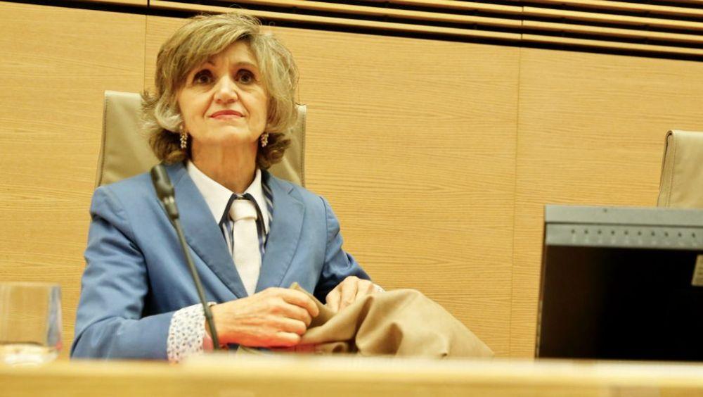 La ministra de Sanidad, María Luisa Carcedo, durante su comparecencia en la Comisión de Sanidad del Congreso.