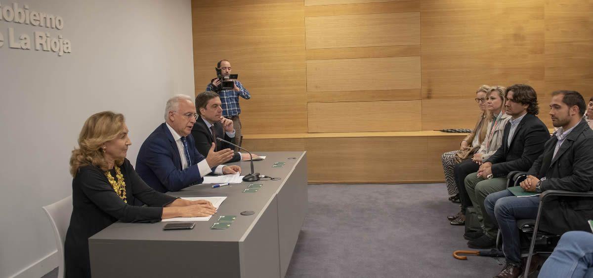 La consejera María Martin y el presidente José Ignacio Ceniceros anunciando la creación del nuevo dispositivo
