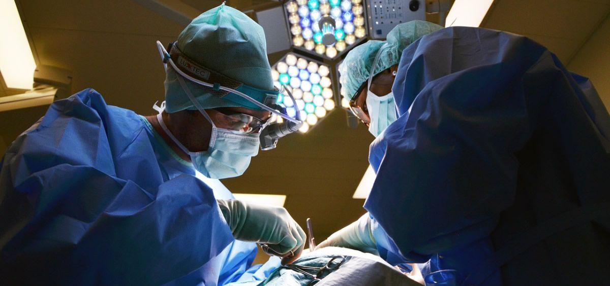 Un estudio realizado por Medscape ha analizado la situación actual de los salarios de los médicos en España