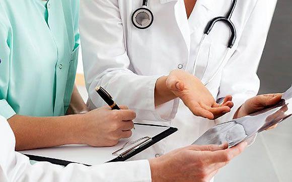 Los estudiantes de Medicina piden más formación en bioética durante la carrera