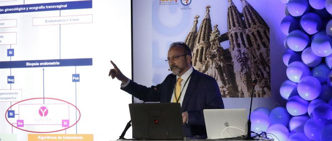 El doctor Jordi Ponce, jefe de Servicio de Ginecología del Hospital de Bellvitge y presidente del congreso, presentó un estudio prospectivo de aplicabiliadad clínica del test endometrial de Reig Jofre.
