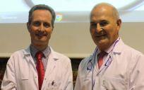 De izq. a dcha.: los doctores García Foncillas y Gómez inauguraron la Jornada Cuidamos del Paciente Oncológico.