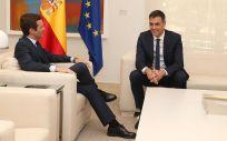 Reunión mantenida el pasado 2 de agosto en Moncloa entre Pedro Sánchez y Pablo Casado.