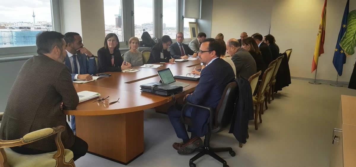 Imagen de la primera reunión de los diferentes departamentos ministeriales para comenzar a abordar la modificación de los cuadros médicos de exclusión.