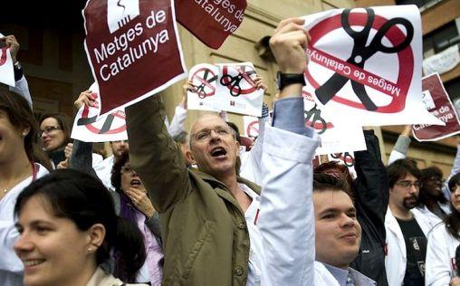 """Advertencia de los médicos catalanes a Vergés: """"O las cosas cambian o habrá huelga en septiembre"""""""
