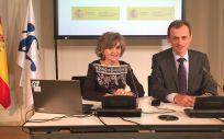 La ministra de Sanidad, María Luisa Carcedo, junto al ministro de Ciencia y Universidades, Pedro Duque.