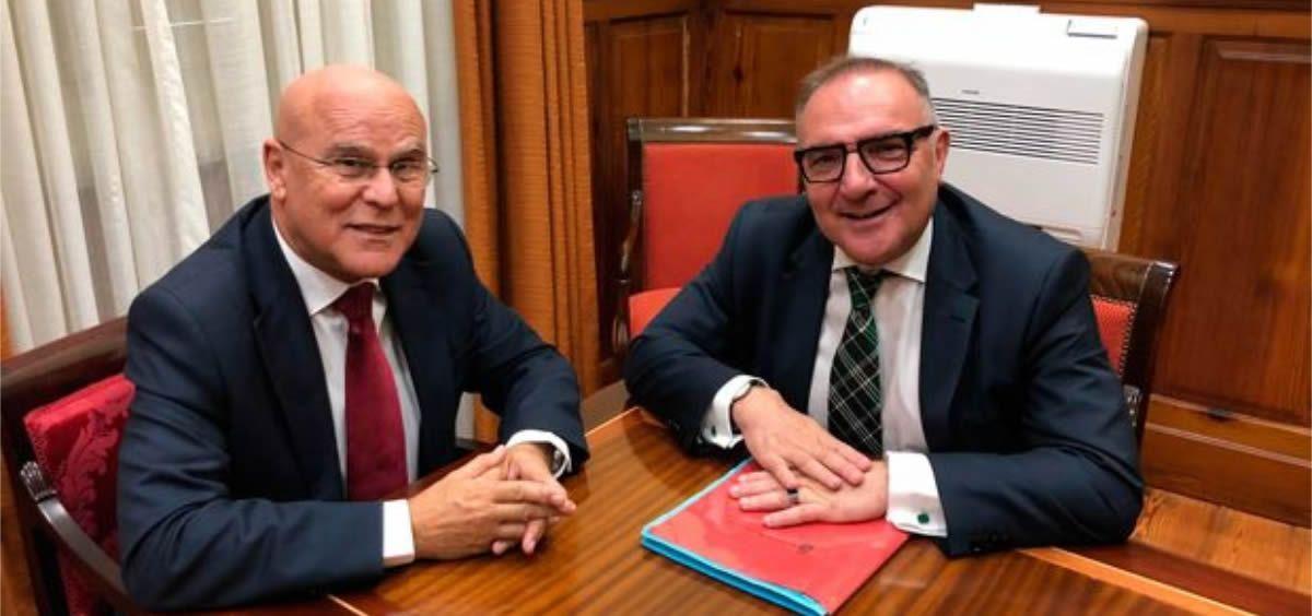José Manuel Baltar  y Rafael Yanes durante la reunión mantenida esta semana