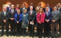 Consejeros asistentes al primer Consejo Interterritorial del SNS presidido por María Luisa Carcedo.
