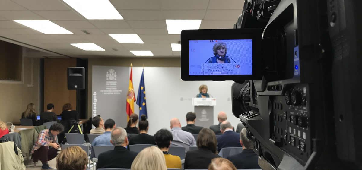 La titular de Sanidad, María Luisa Carcedo, durante la rueda de prensa posterior al Consejo Interterritorial. / Nacho Cortés