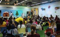 Fiesta para los niños organizada por el espacio de recreo 'La Pajarera' del Hospital La Pez