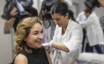 La consejera de Salud de La Rioja, María Martín, ha sido una de los 44.689 riojanos que se han vacunado para prevenir la gripe