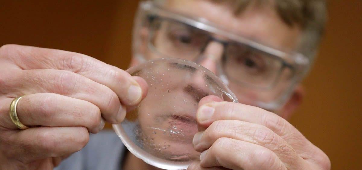El objetivo de este nuevo gel biocompatible es reemplazar a la gasa con un material mucho más suave y compacto