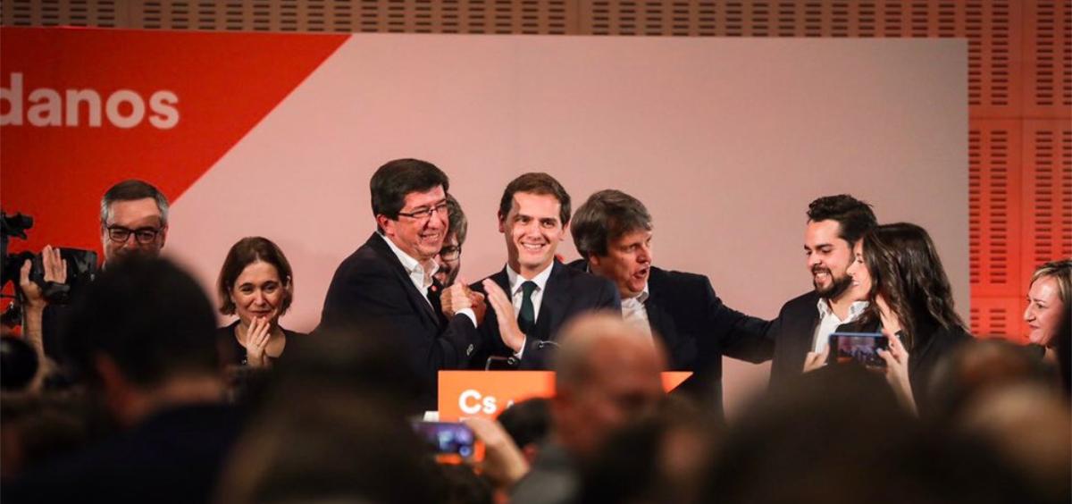 Juan Marín, candidato de Ciudadanos a la Junta de Andalucía, junto a ALbert Rivera tras conocer los resultados electorales