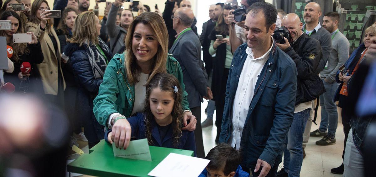La candidata del PSOE andaluz, Susana Díaz, votando en su colegio electoral el pasado 2-D.
