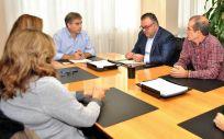 El presidente del Sindicato de Enfermería (Satse), Manuel Cascos, reunido con el director del Servicio Canario de Salud (SCS), Conrado Domínguez