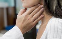 La Fundación Merck Salud pone en marcha 'Bufandas Azules', una campaña de concienciación sobre el cáncer de cabeza y cuello