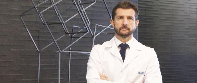El urólogo del Centro Médico Ruber Internacional de Paseo de la Habana, Miguel Sánchez-Encinas