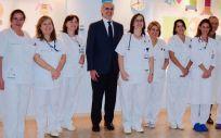El consejero de Sanidad de la Comunidad de Madrid, Enrique Ruiz Escudero, durante su visita a la Unidad de Reproducción Asistida