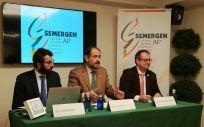 De izquierda a derecha: José María Nieto, José Polo y Rafael Micó, este miércoles en la sede de SEMERGEN