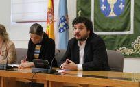 De izquierda a derecha: Eva Solla (En Marea), Montse Prado (BNG) y Julio Torrado (PSdeG).