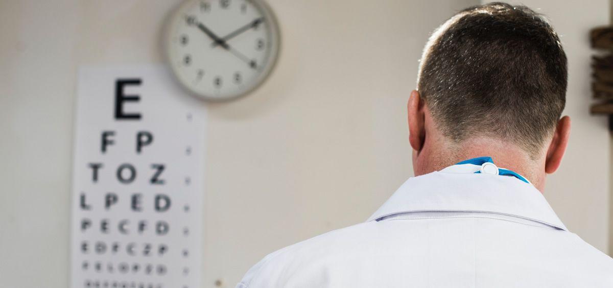 Los últimos datos emitidos por el Ministerio de Sanidad, Servicios Sociales e Igualdad, relativos a 2012, indican que, cada día, se producen en España unas 55 agresiones a enfermeras y enfermeros.