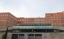 Fachada del Hospital Clínico San Carlos, integrado en la red sanitaria pública de la Comunidad de Madrid