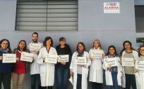 Médicos de Atención Primaria del centro de salud de Tiro de Pichón (Málaga) durante el paro de este miércoles.
