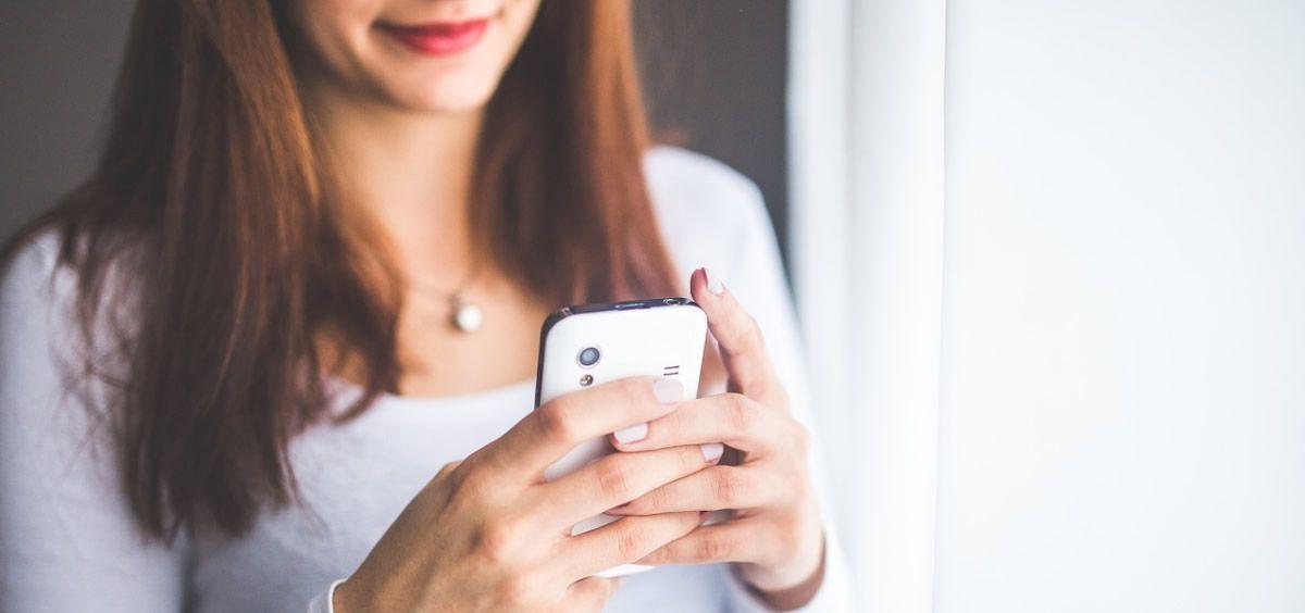 Uno de los consejos de la Consejería de Salud es mantener el móvil apagado durante toda la noche