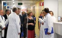 La consejera de Salud de Cataluña, Alba Vergés, visitando un centro sanitario