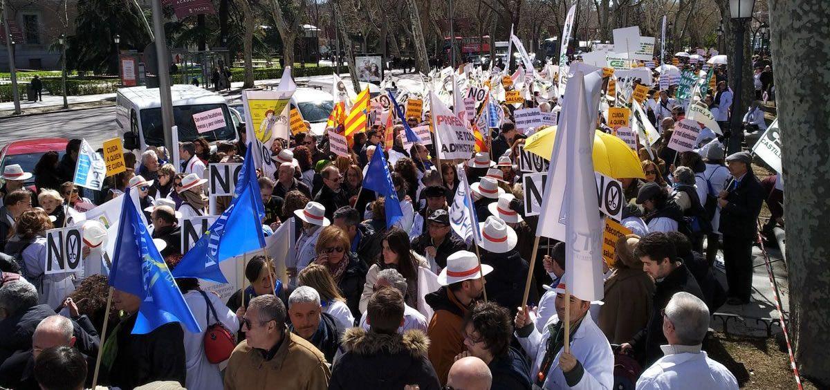 El descontento de los profesionales de la Medicina les llevó el pasado 21 de marzo de 2017 a salir a las calles de Madrid