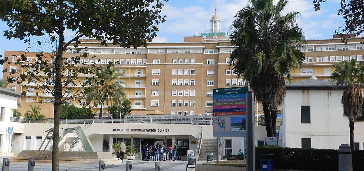 Fachada del Hospital Universitario Virgen del Rocío, en Sevilla.