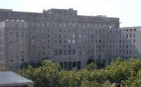 Fachada exterior del Ministerio de Defensa, al que pertenece el Hospital Militar de Zaragoza