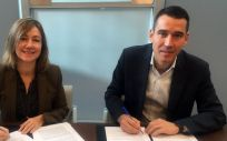 Germán Barraqueta Bernad, en calidad de Gerente Territorial de los hospitales privados del Grupo Quirónsalud en Cataluña y Aragón, la rectora de la UAO CEU, Eva Perea