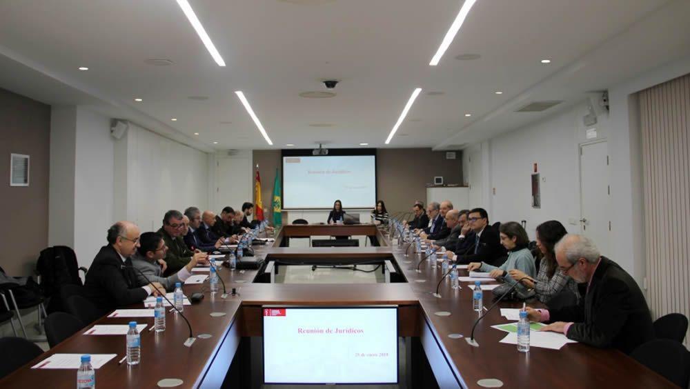 Los asesores jurídicos de los colegios de dentistas de toda España, reunidos en la sede del