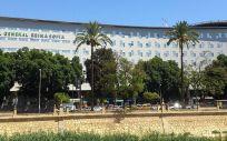 Fachada principal del Hospital General Universitario Reina Sofía de Murcia donde fue intervenido el paciente