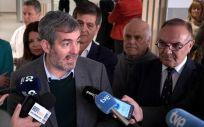 El presidente Fernando Clavijo durante su visita al centro de salud de Vecindario